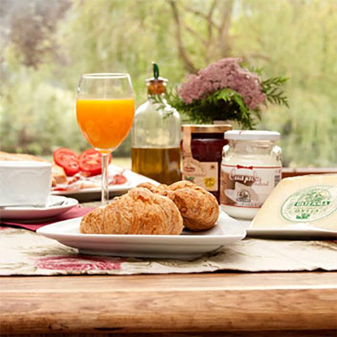 Desayuno con productos caseros